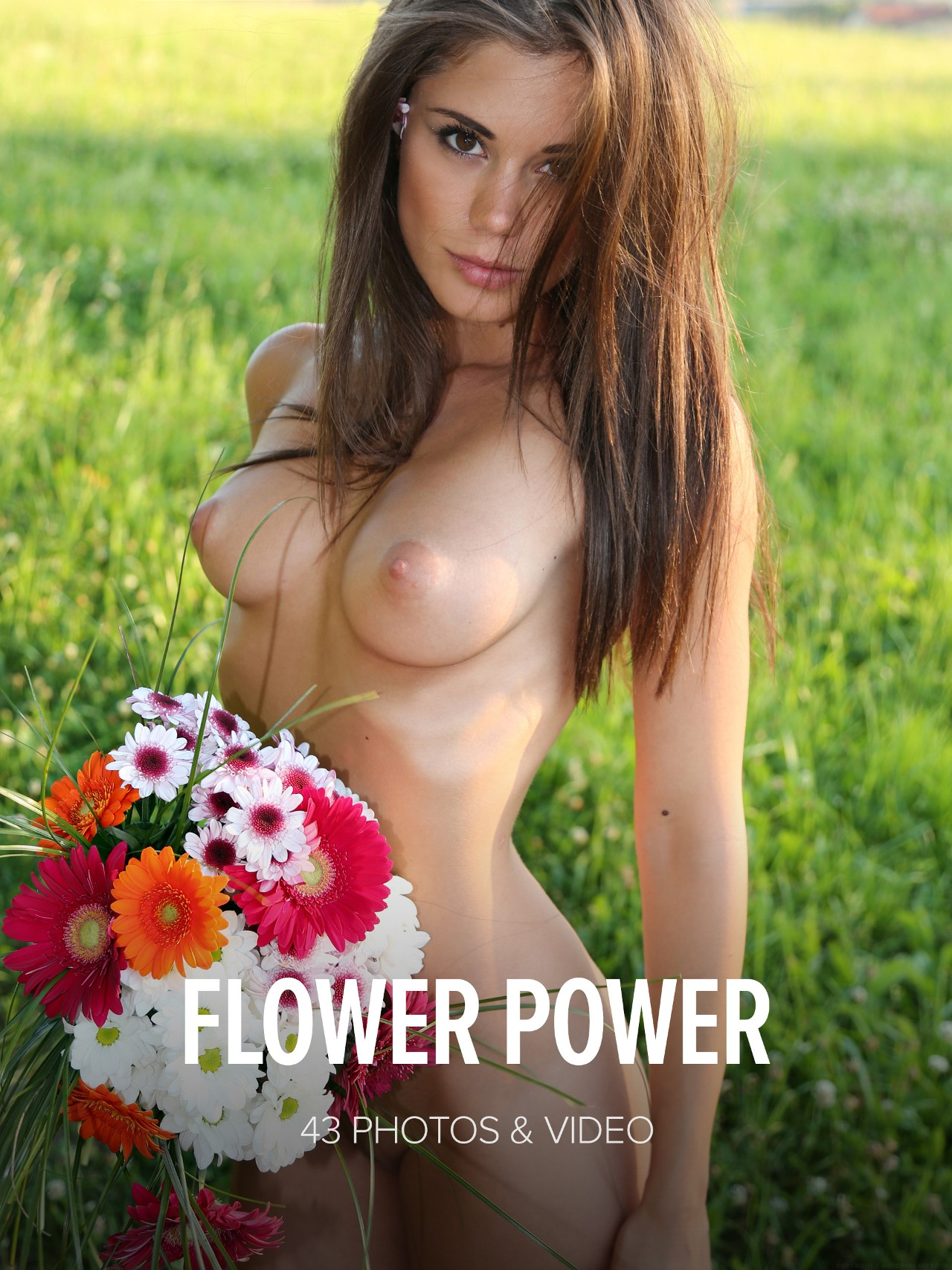Little Caprice: Flower power