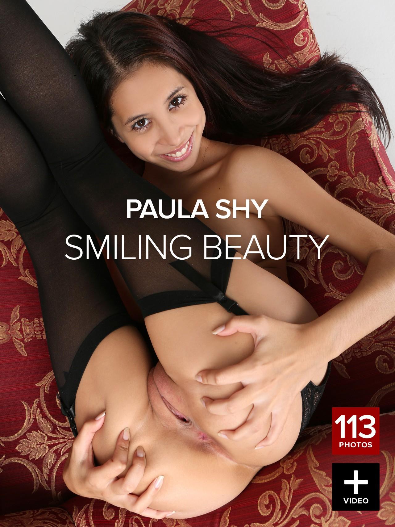 Paula Shy: Smiling beauty