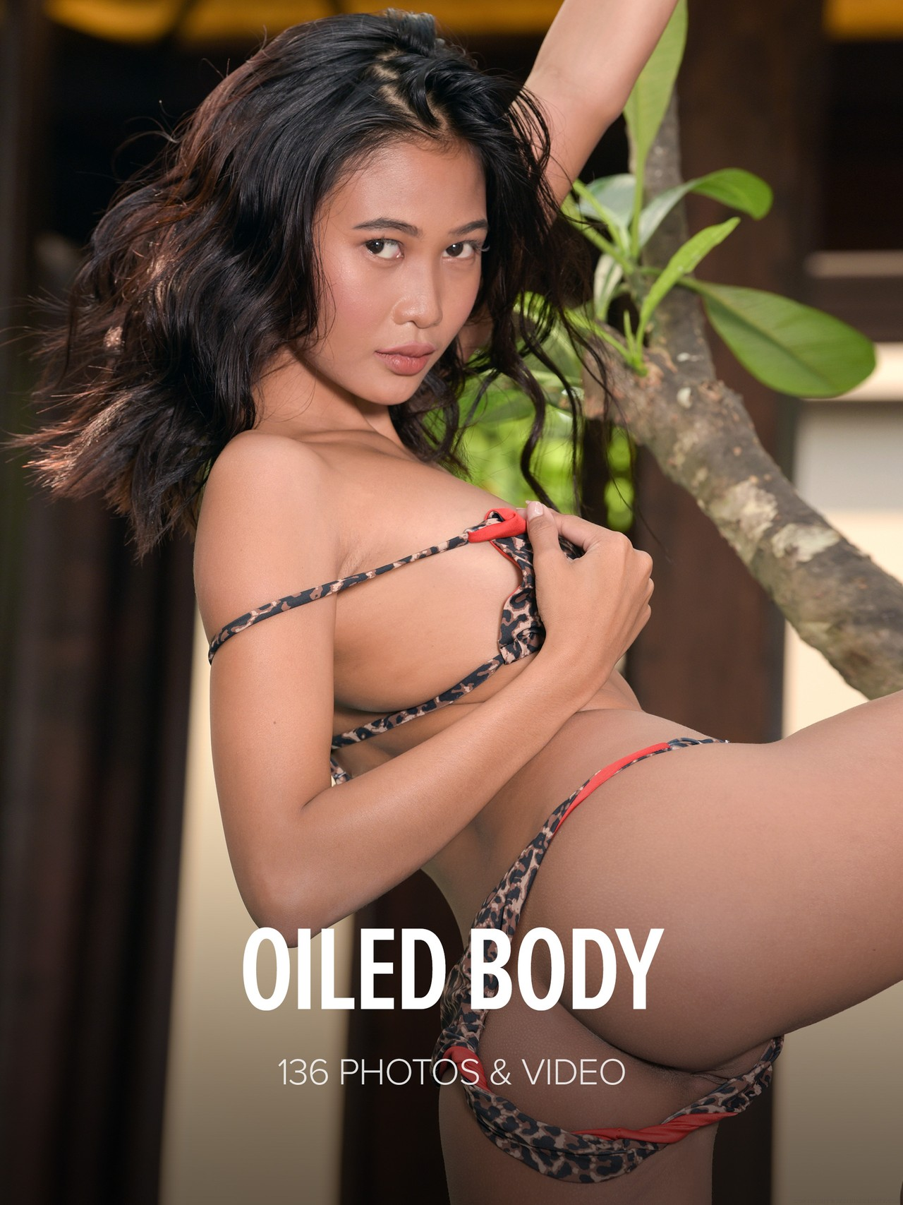 Hiromi: Oiled Body