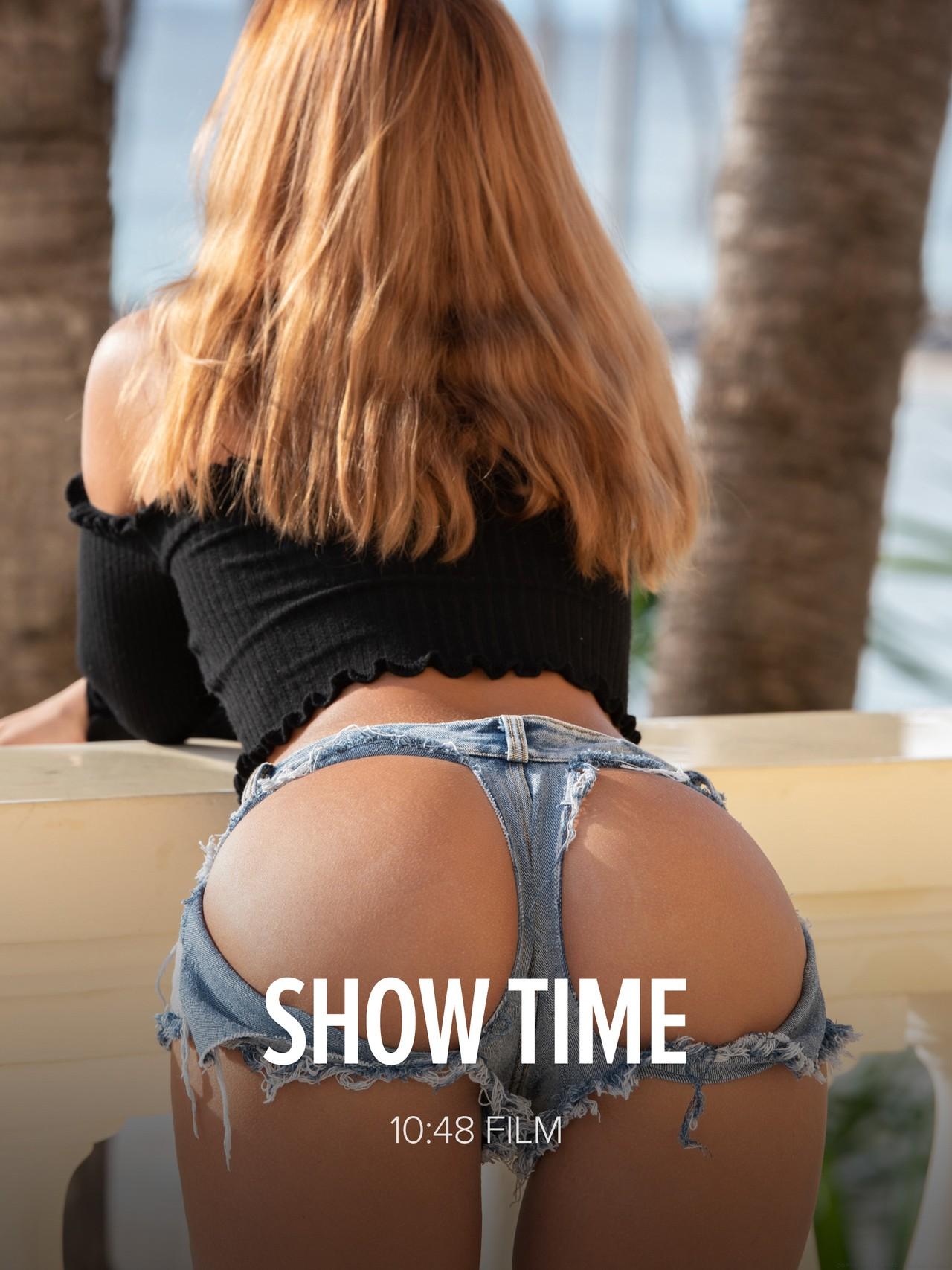 Agatha Vega: Show Time
