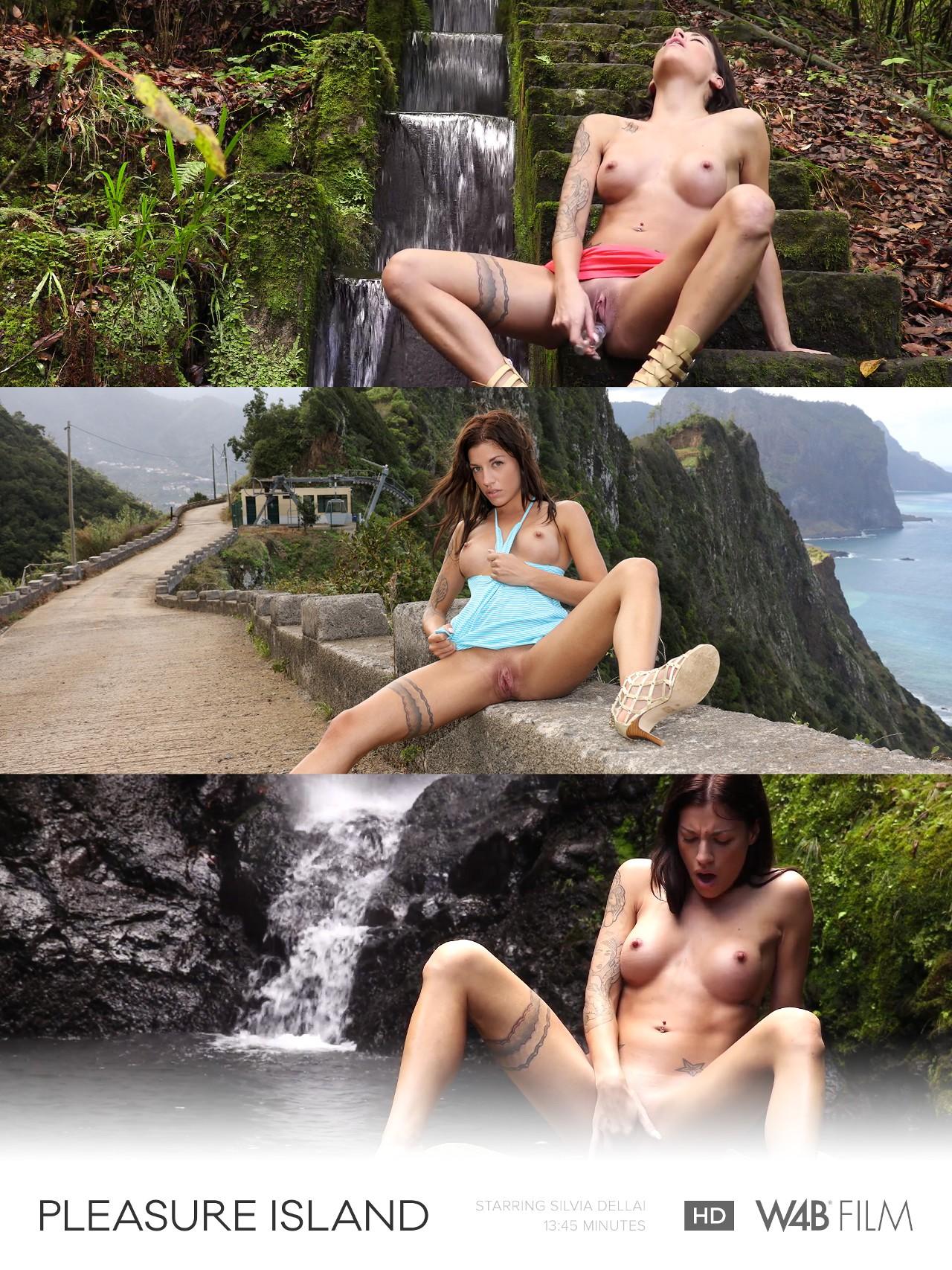 Dellai Twins: Pleasure Island